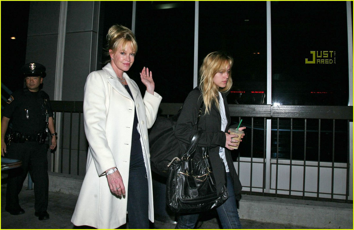 melanie griffith daughters 06761371