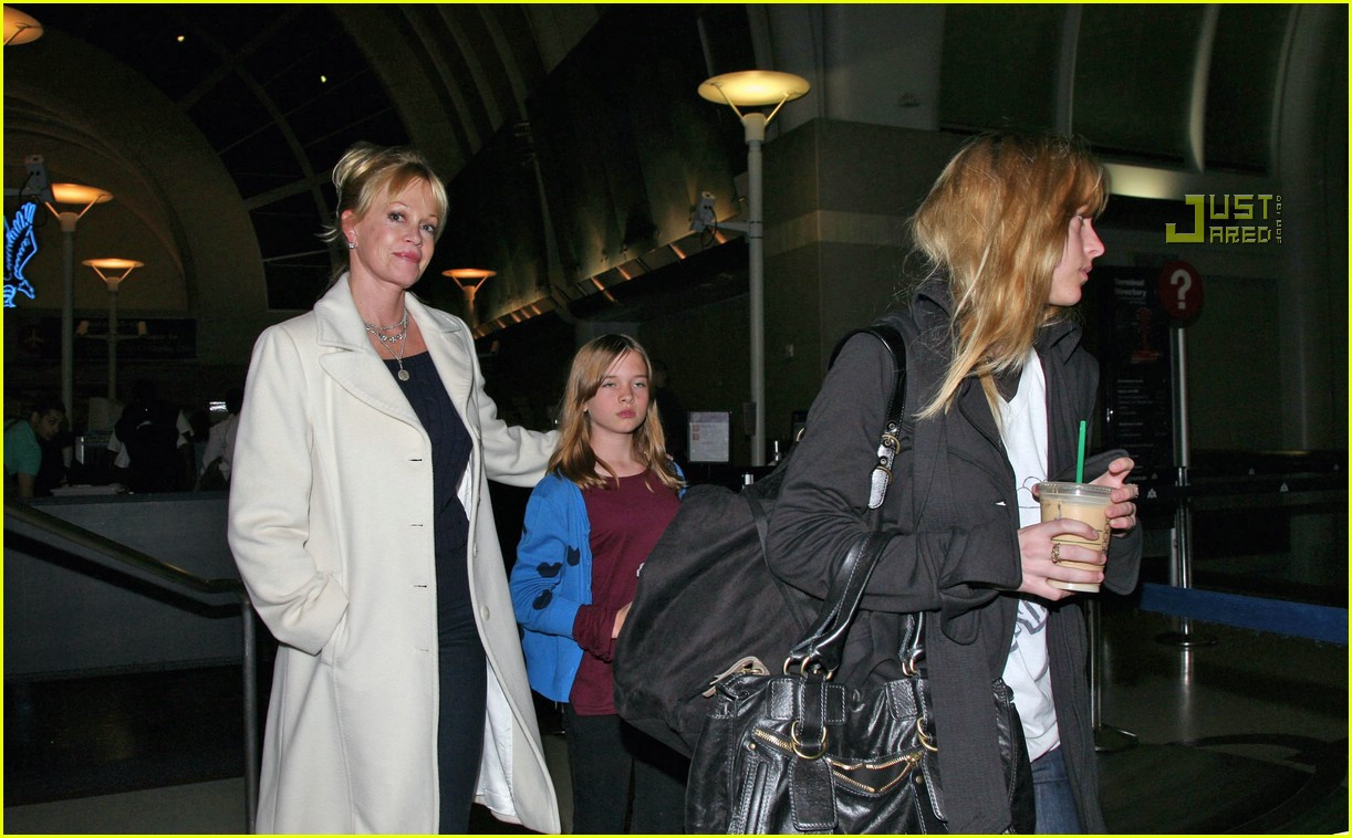 melanie griffith daughters 09761401