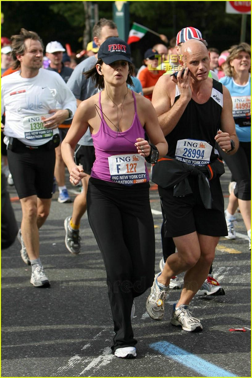 katie holmes running nyc marathon 03707301