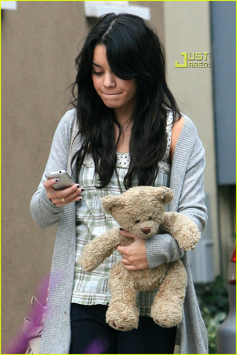 vanessa hudgens teddy bear 02721361
