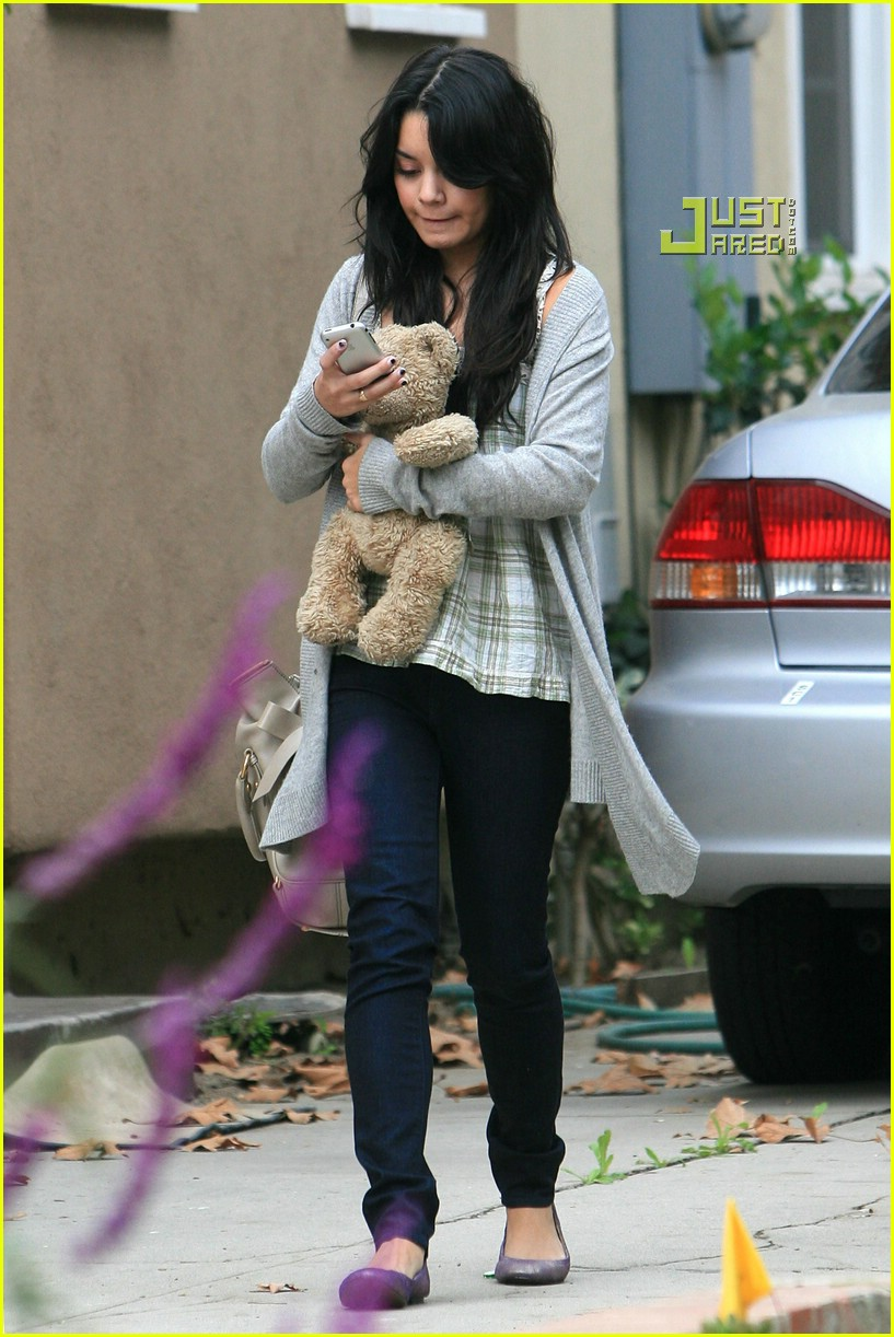 vanessa hudgens teddy bear 05