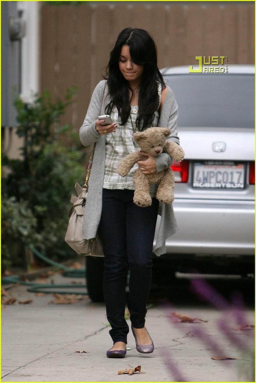 vanessa hudgens teddy bear 09721431