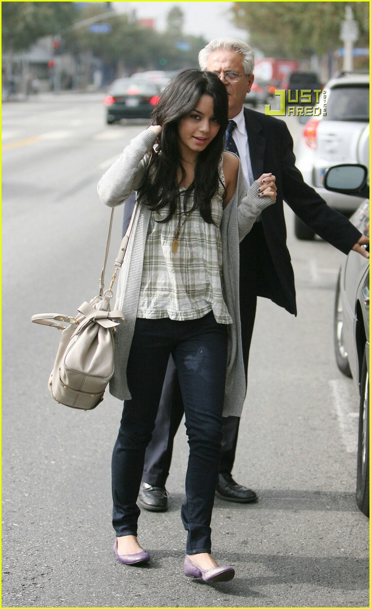 vanessa hudgens teddy bear 17