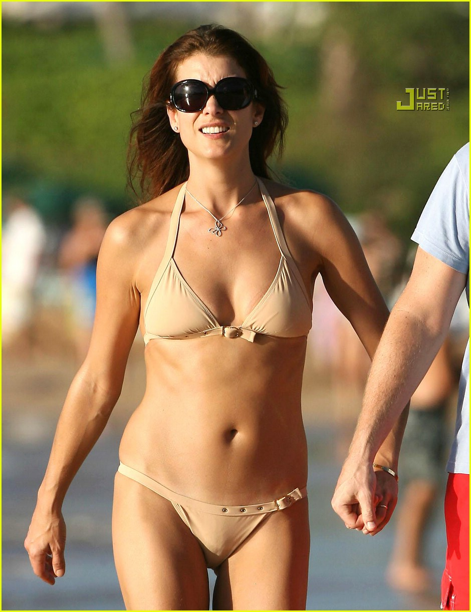 Kate Walsh In Bikini