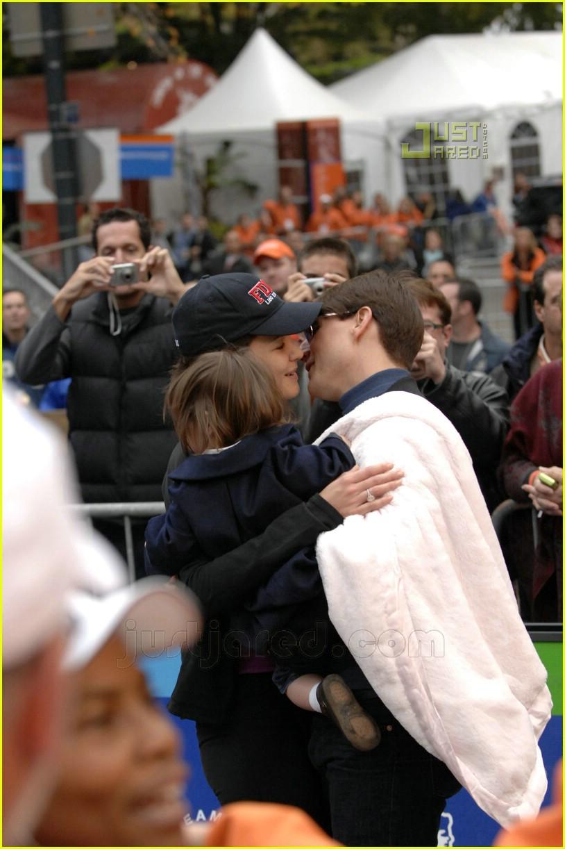 katie holmes nyc marathon victory party 10708301