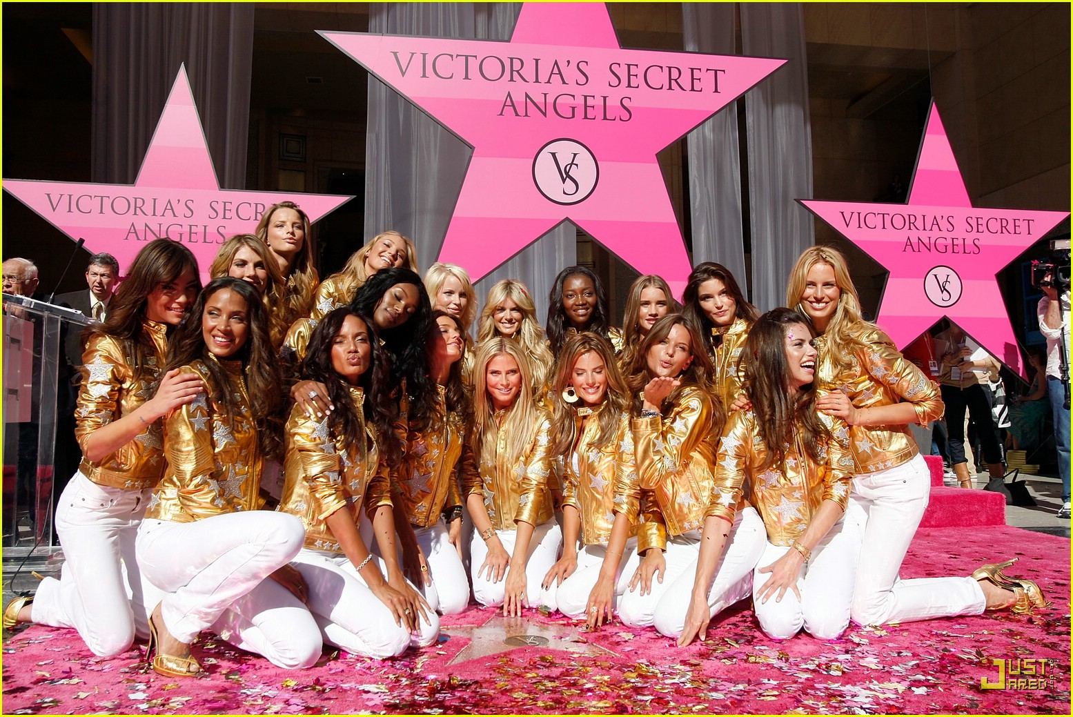 heidi klum victorias secret fashion show 2007 51735911