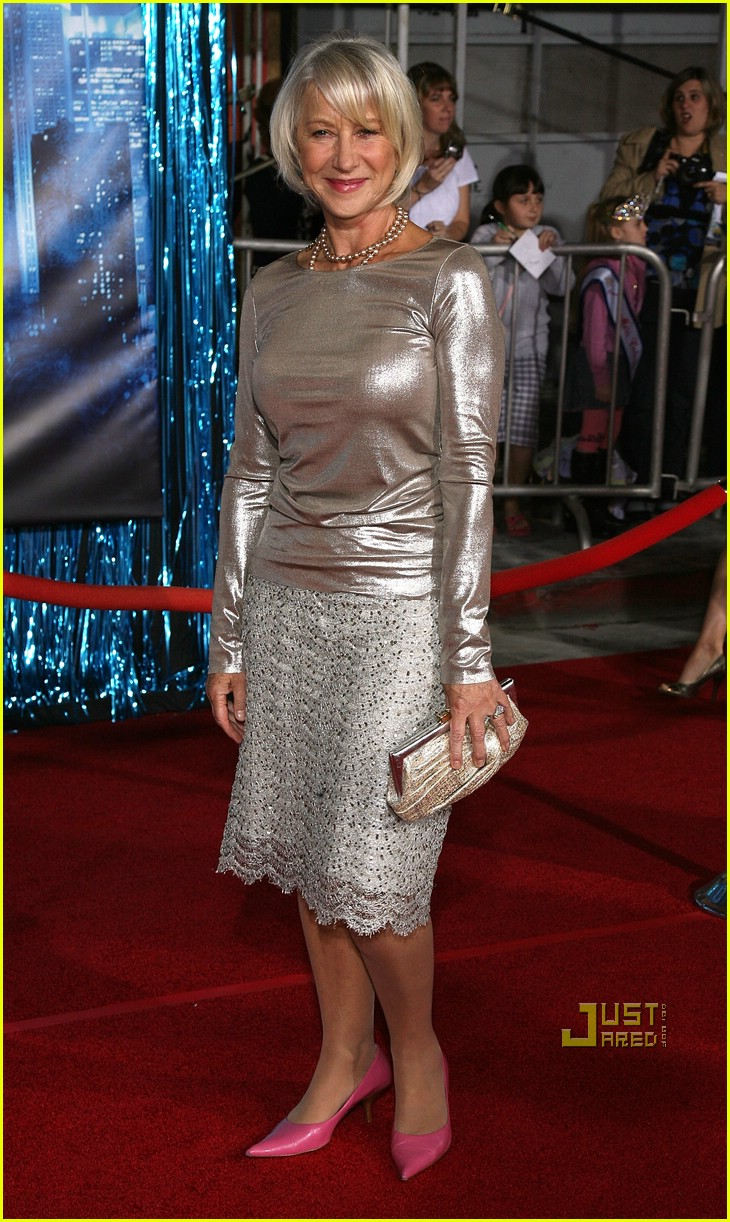 helen mirren enchanted premiere 06741601