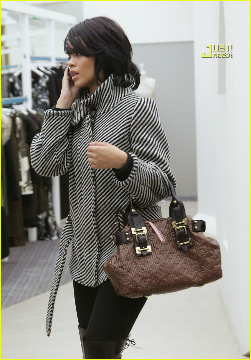 rihanna luxury shopping spree 03726841