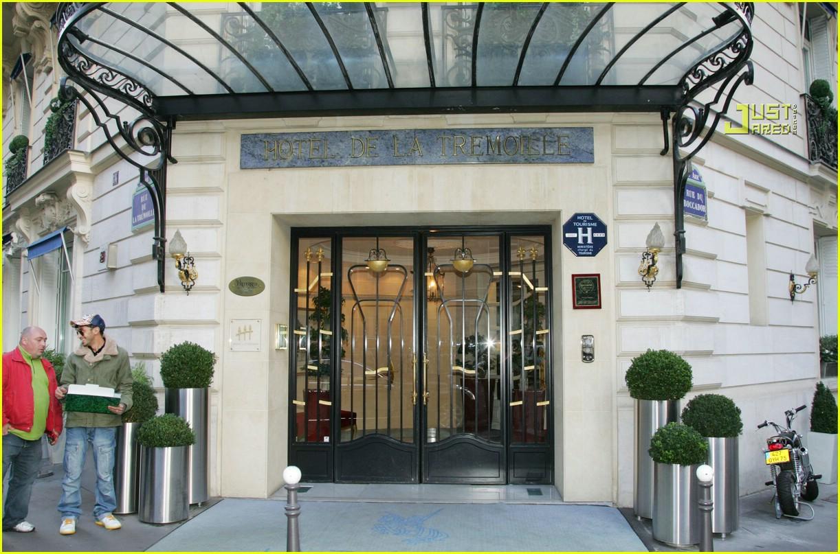 rihanna luxury shopping spree 11726921