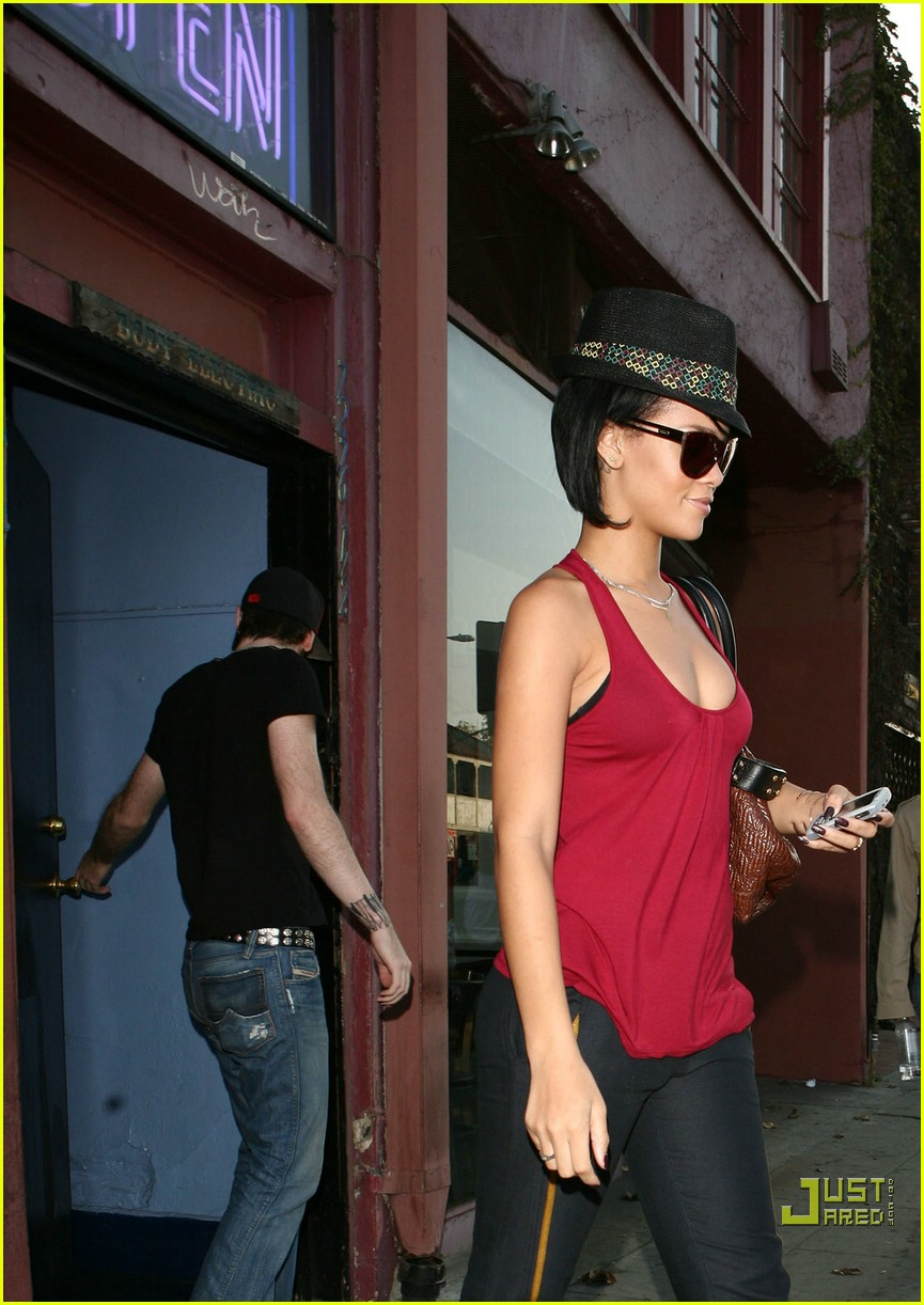 rihanna shopping spree 20