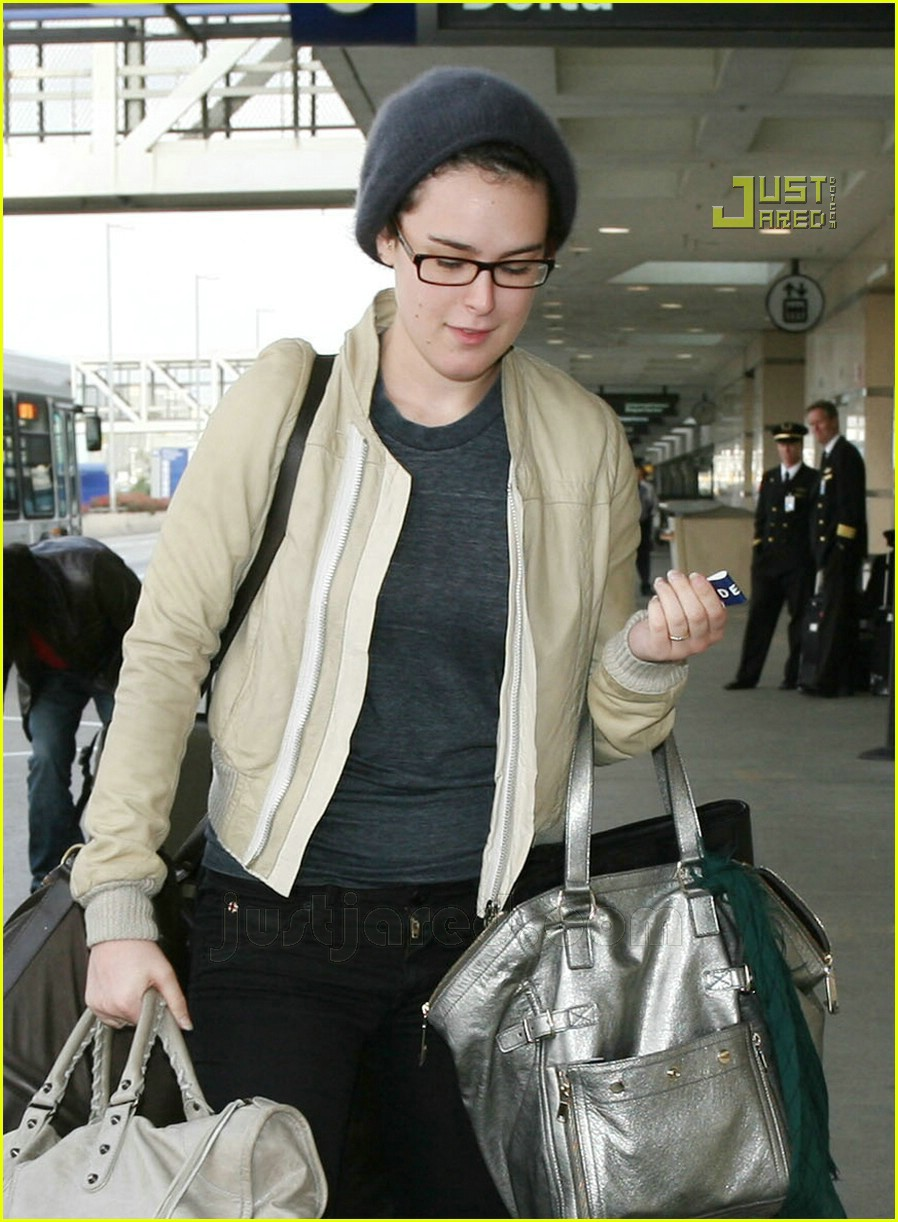 rumer willis lax airport 15716091