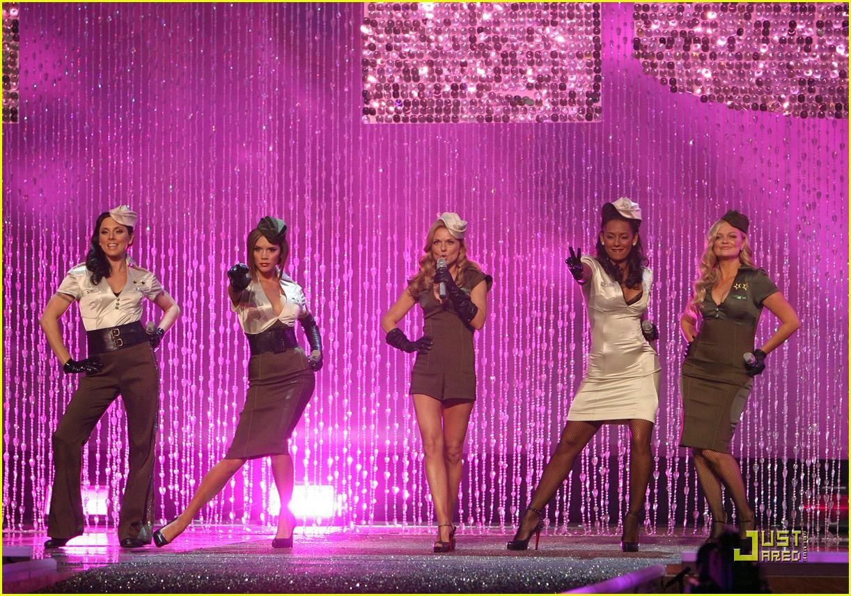 spice girls victorias secret fashion show performance 26736621