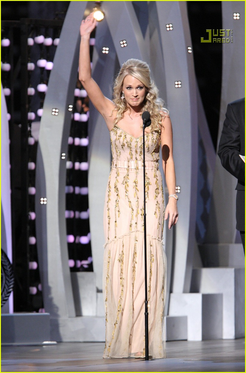 carrie underwood cmas performance 2007 09717251