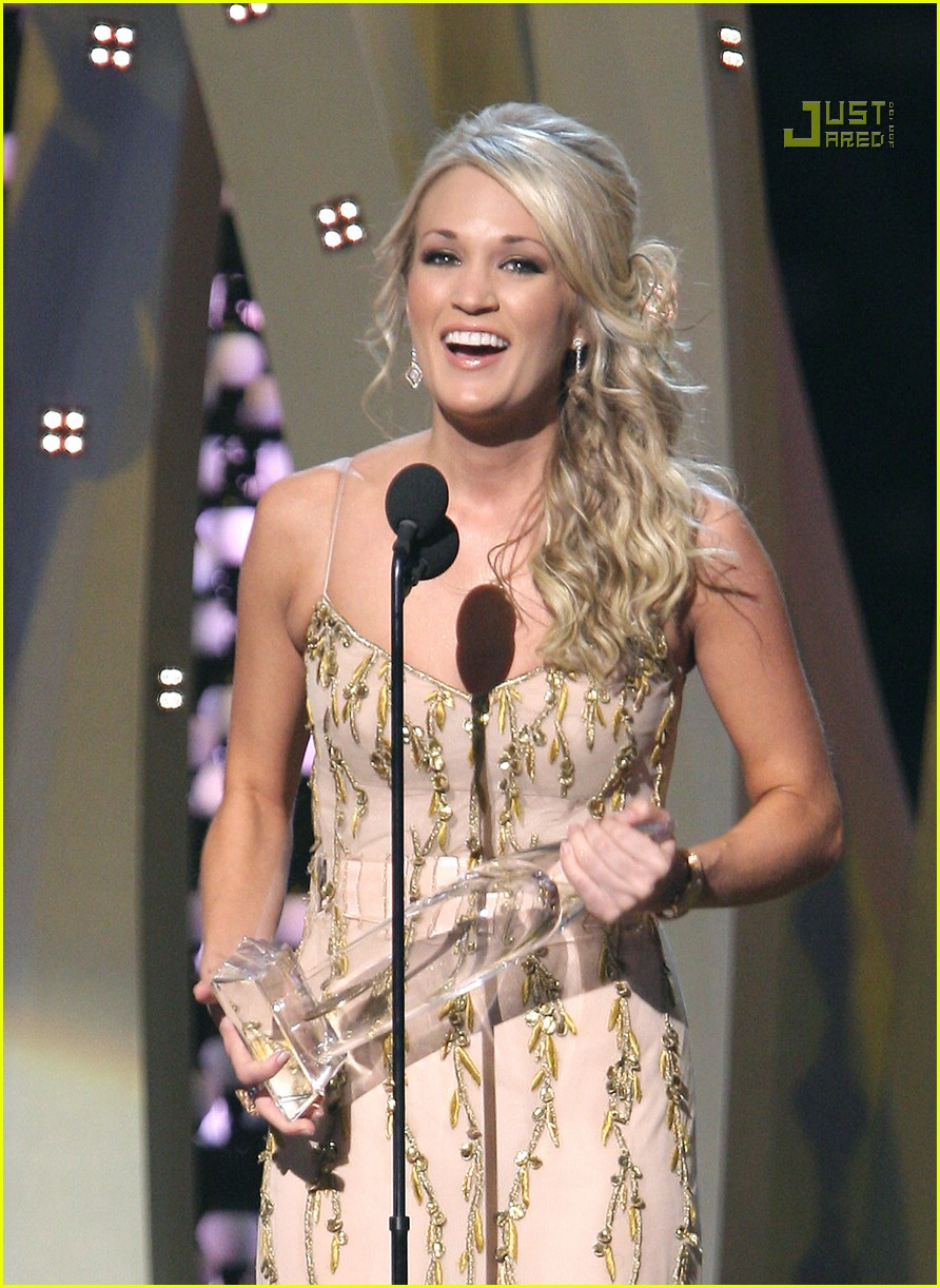 carrie underwood cmas performance 2007 19