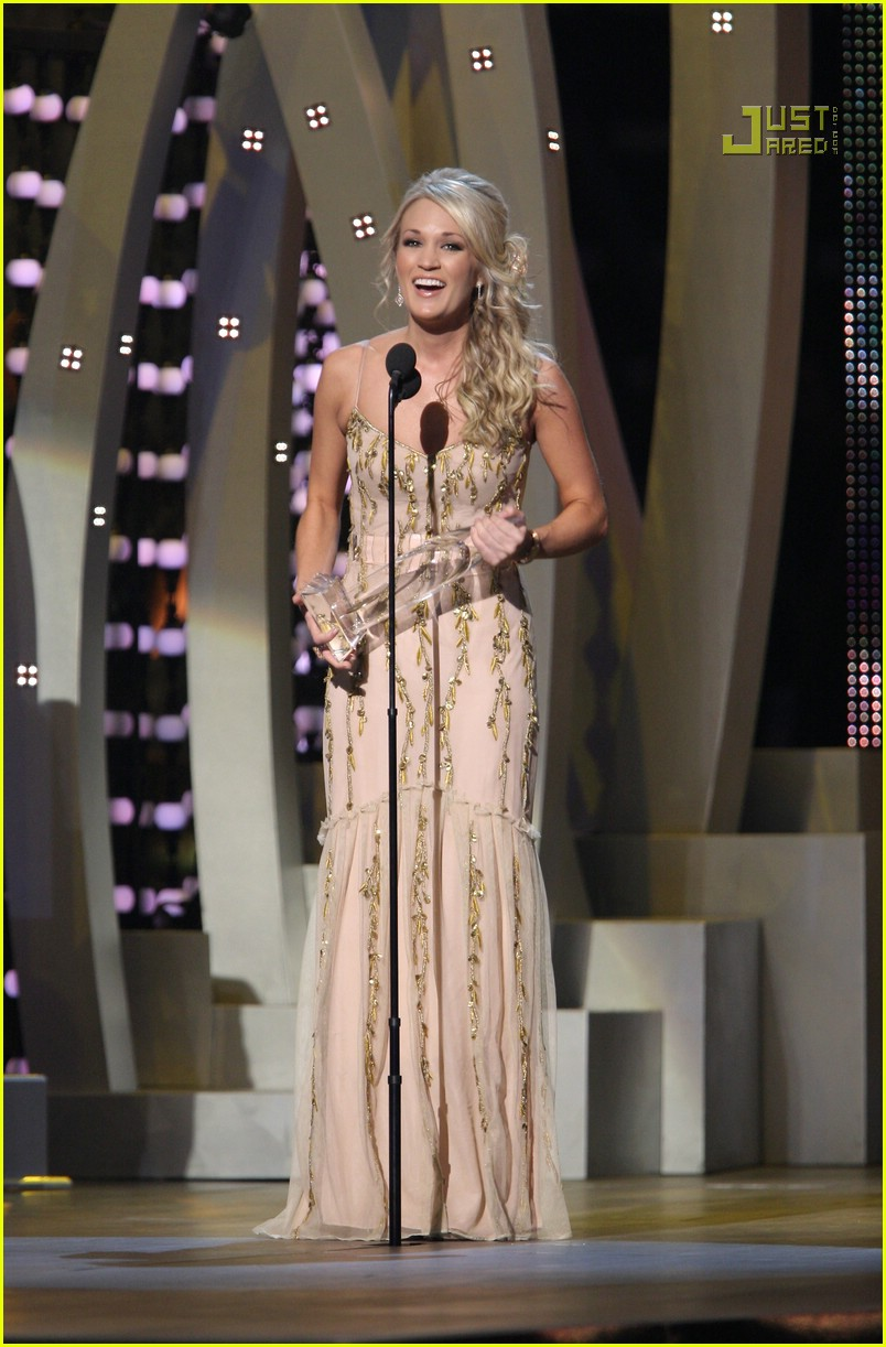 carrie underwood cmas performance 2007 24