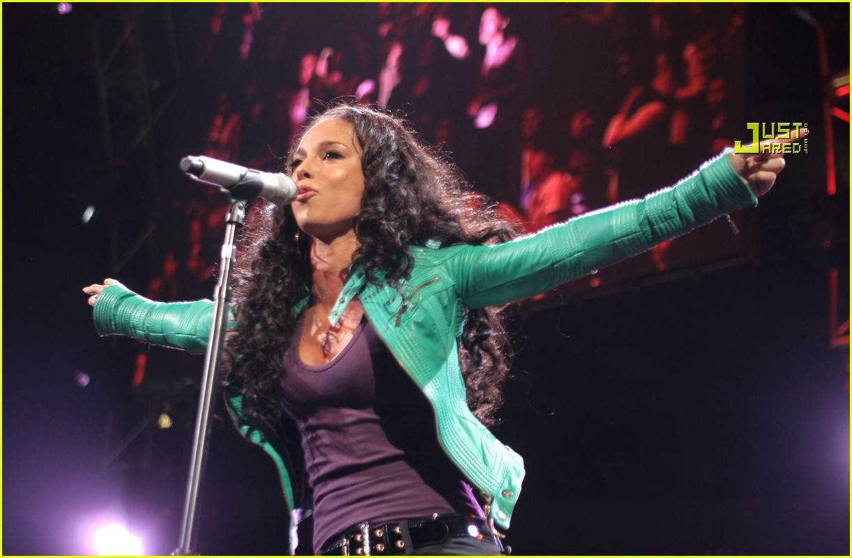 alicia keys jingle ball 11803981
