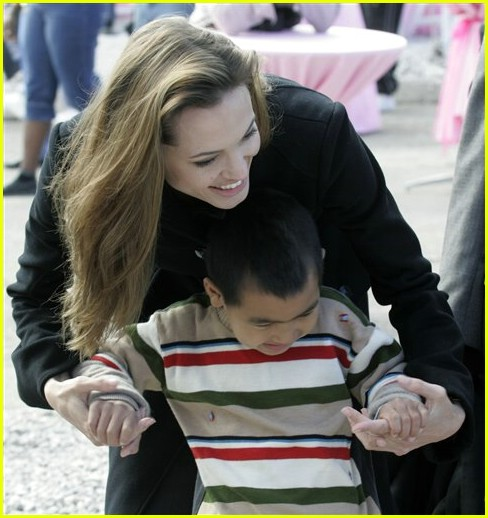angelina jolie national guard 07778151