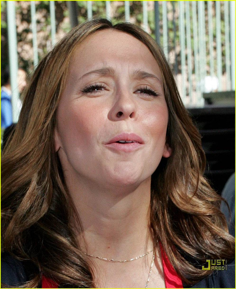 jennifer love hewitt christmas eve 02