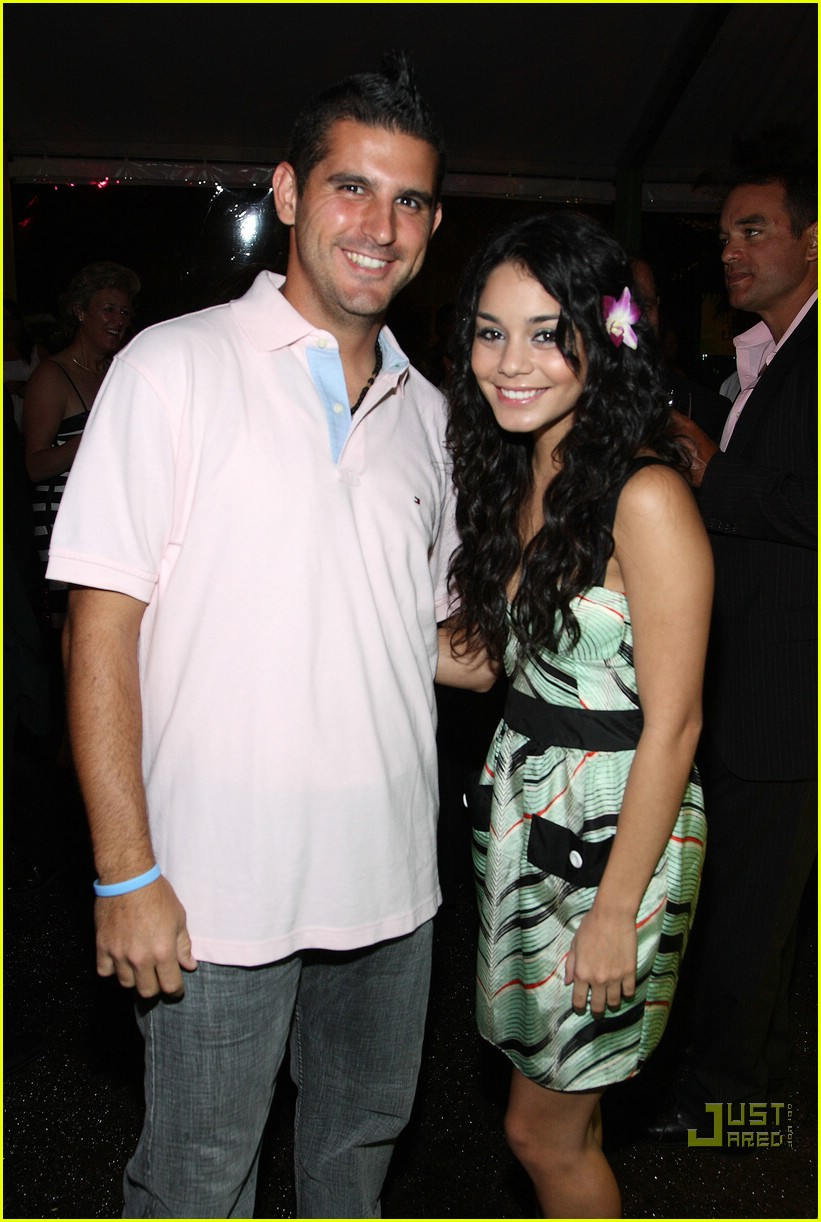 vanessa hudgens best buddies gala 36