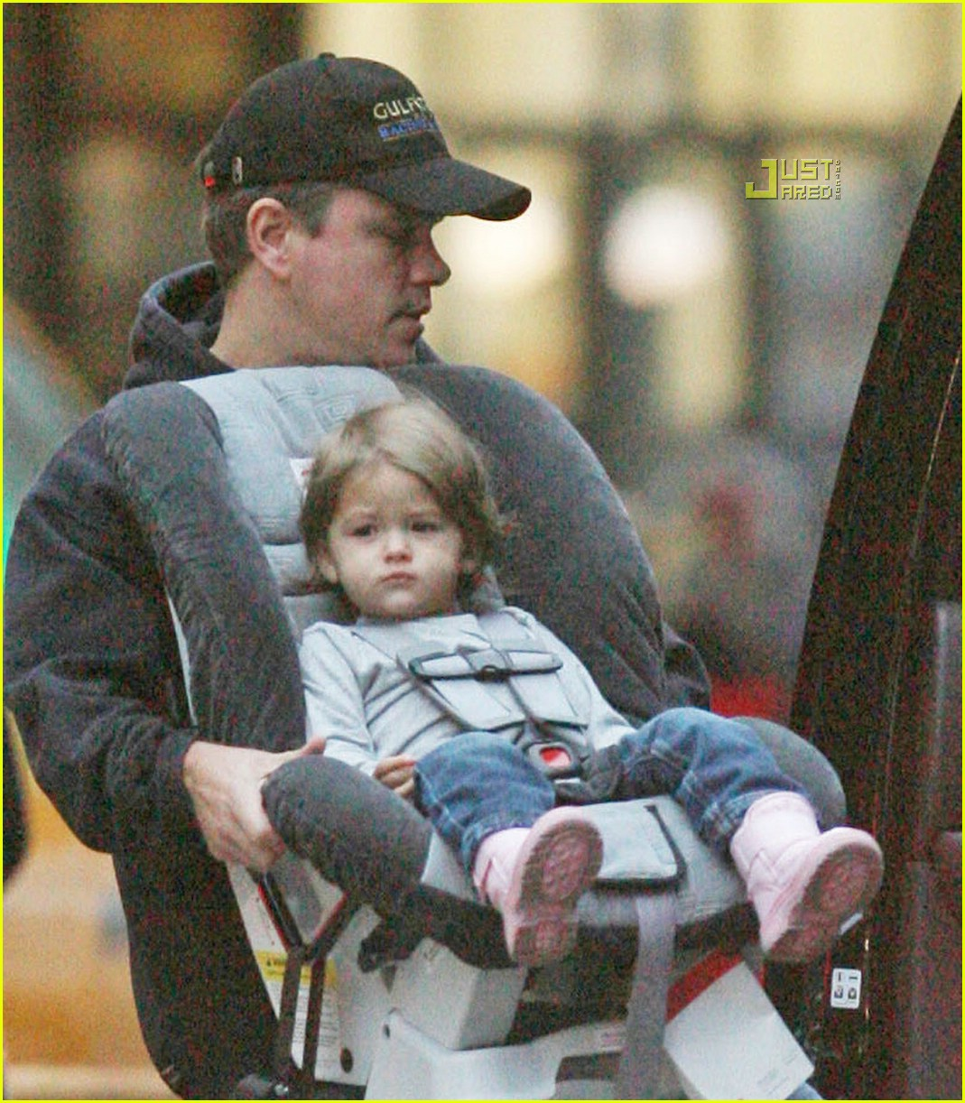 Isabella Damon is a Carseat Queen: Photo 815471 | Celebrity Babies ...: http://www.justjared.com/photo-gallery/815471/isabella-damon-carseat-queen-02/