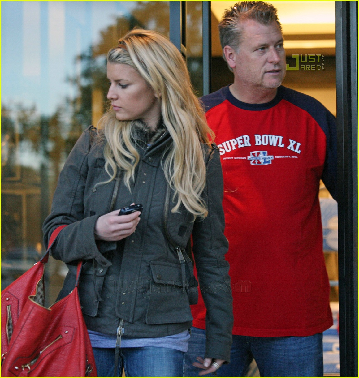 jessica simpson laying low 20812711