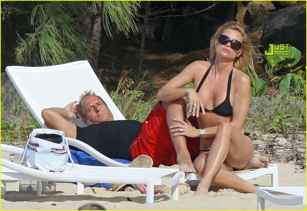 nicollette sheridan beach 01824411