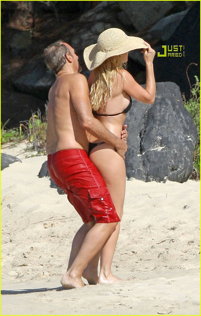 nicollette sheridan beach 02824421