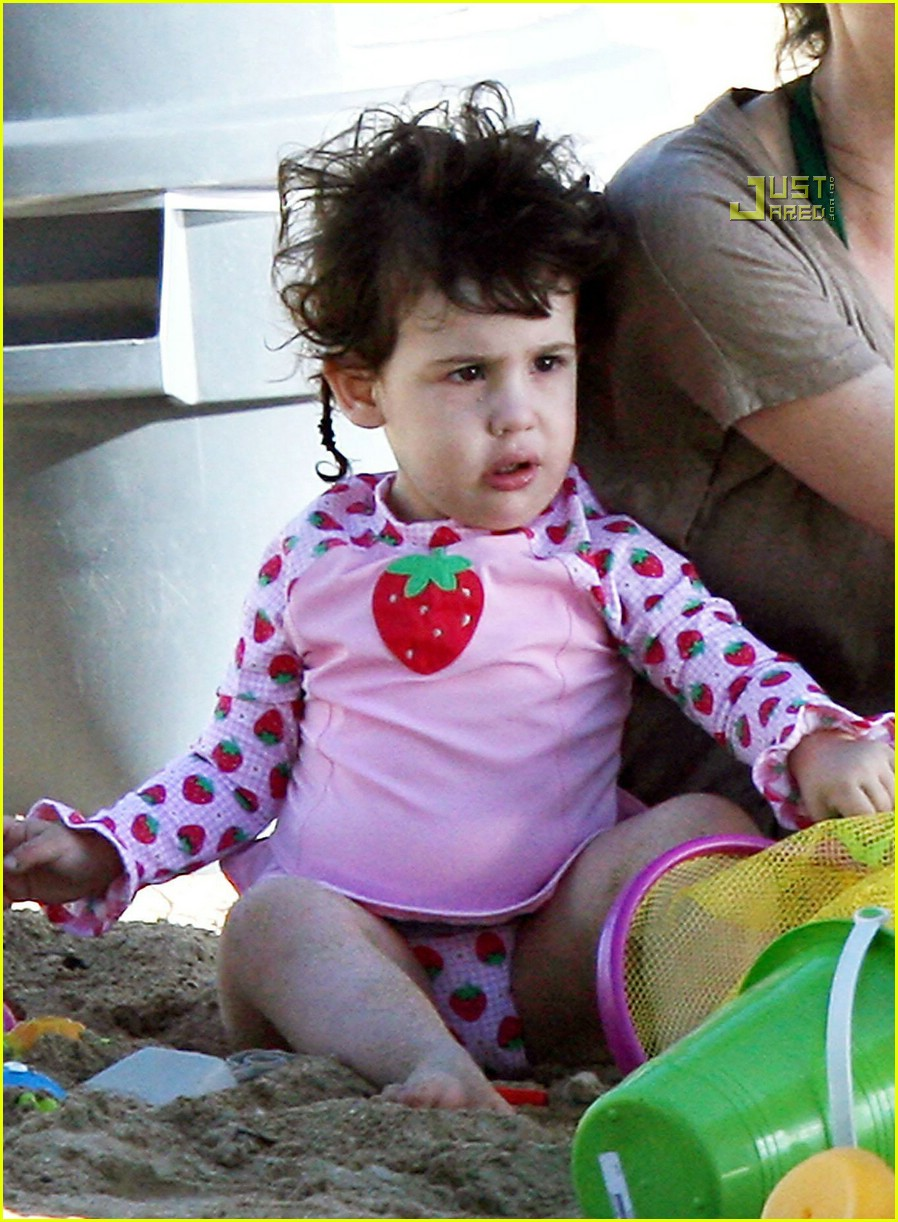 sadie sandler strawberry 05806851