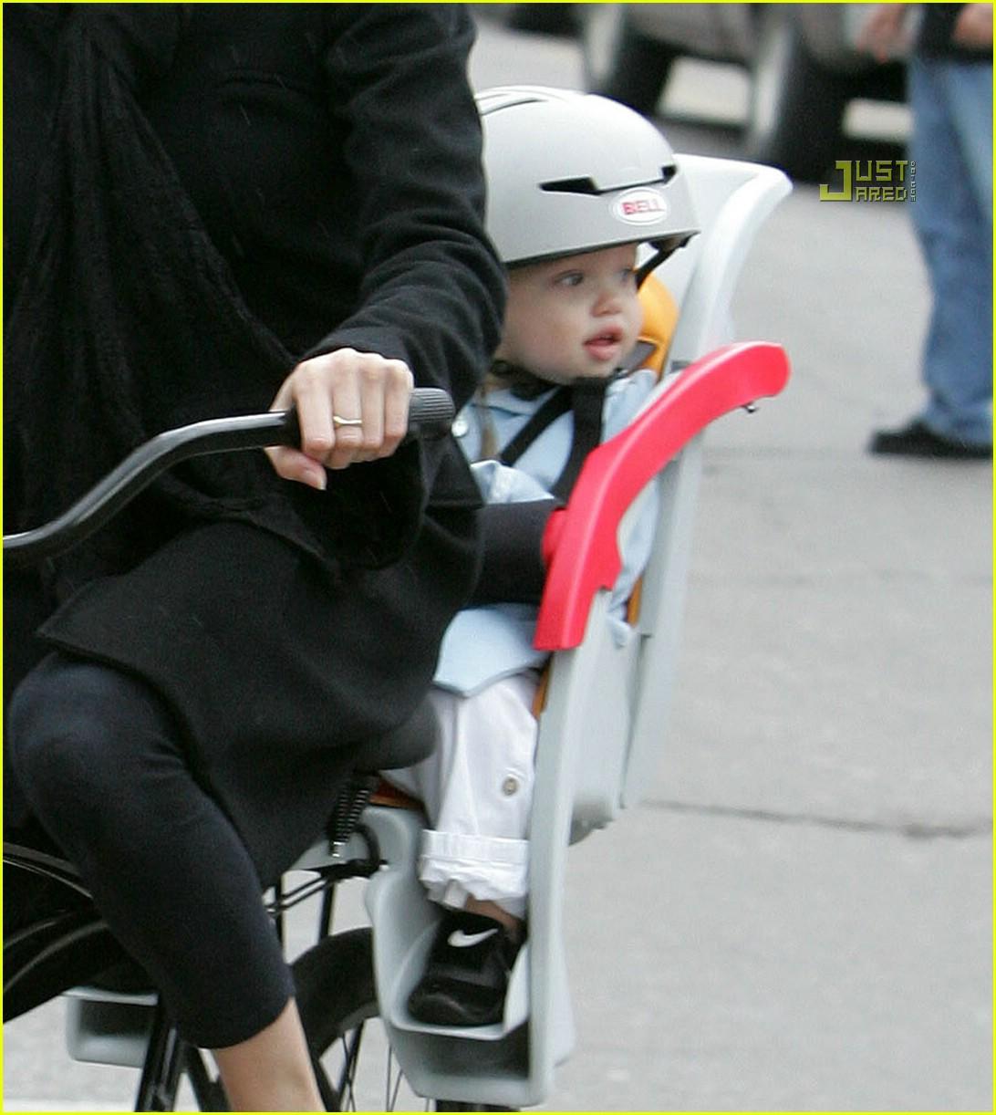 angelina jolie shiloh bicycle 01815261