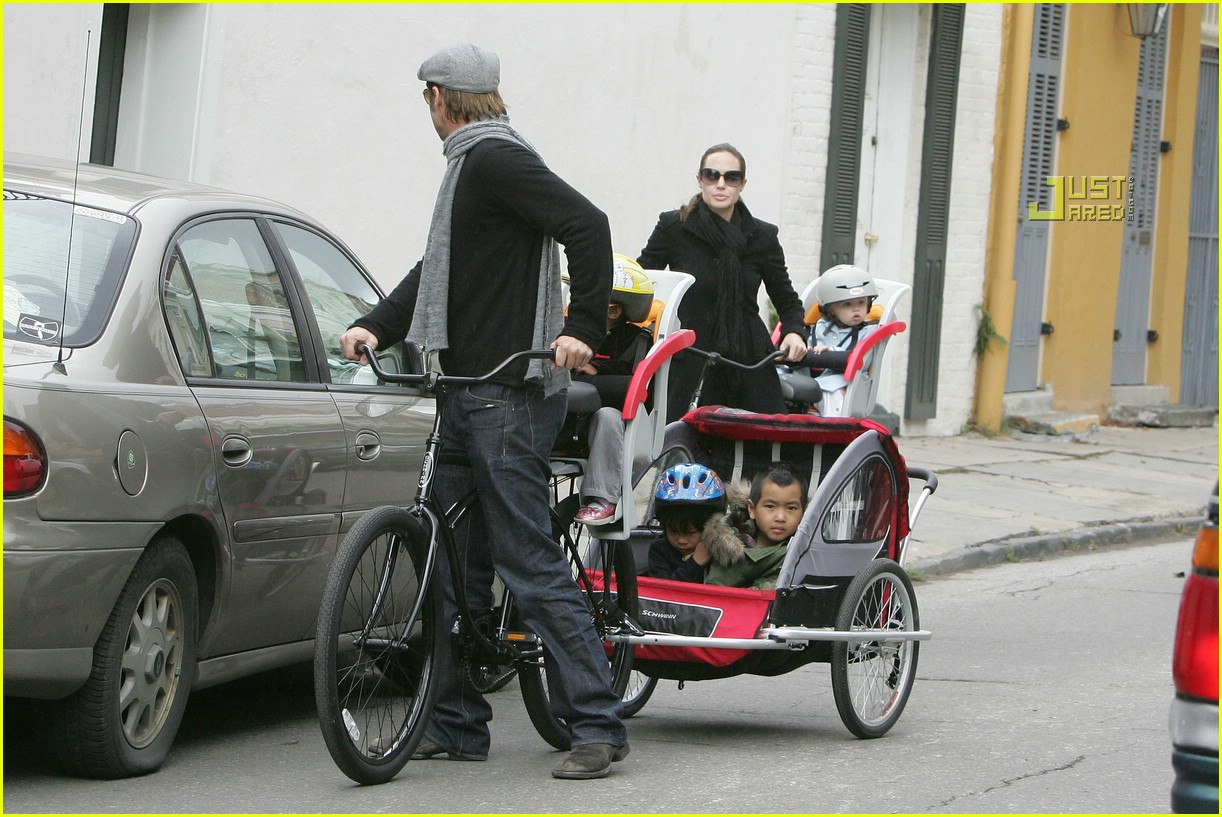 angelina jolie shiloh bicycle 02815271