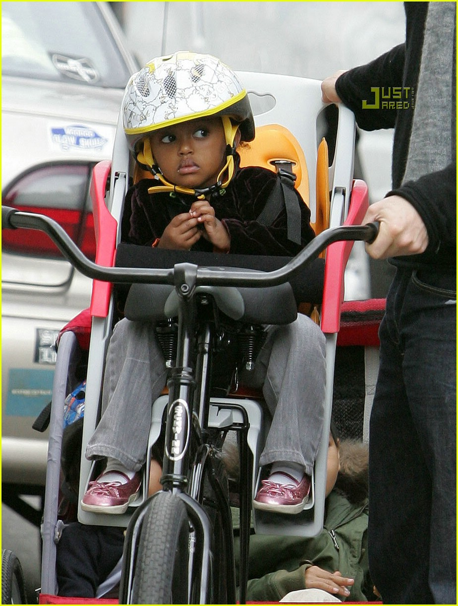 angelina jolie shiloh bicycle 04815291