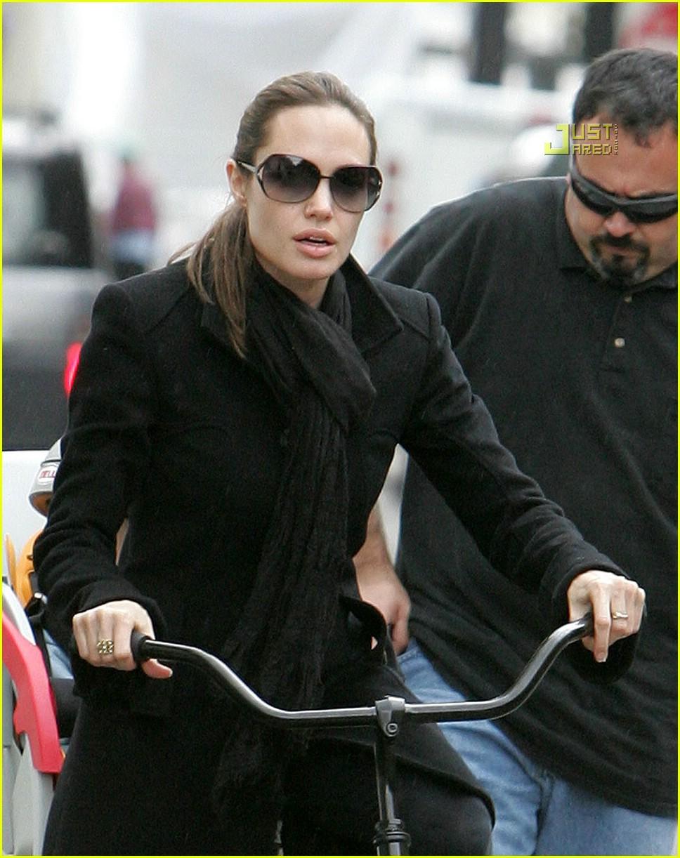 angelina jolie shiloh bicycle 15815401