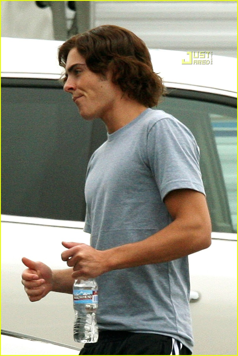 Zac Efron And Wigs 28
