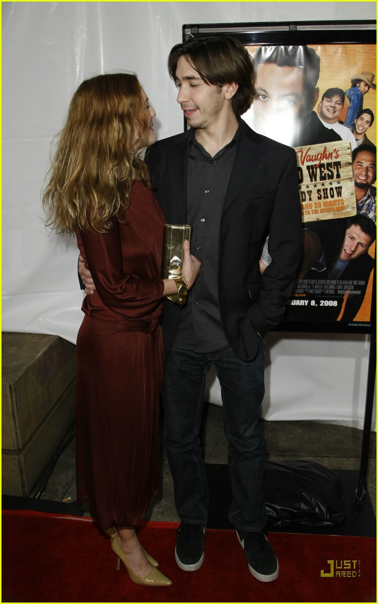 drew barrymore justin long red carpet love 07891831