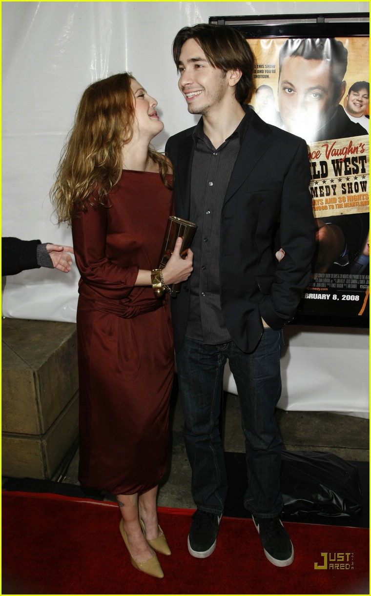 drew barrymore justin long red carpet love 14891901