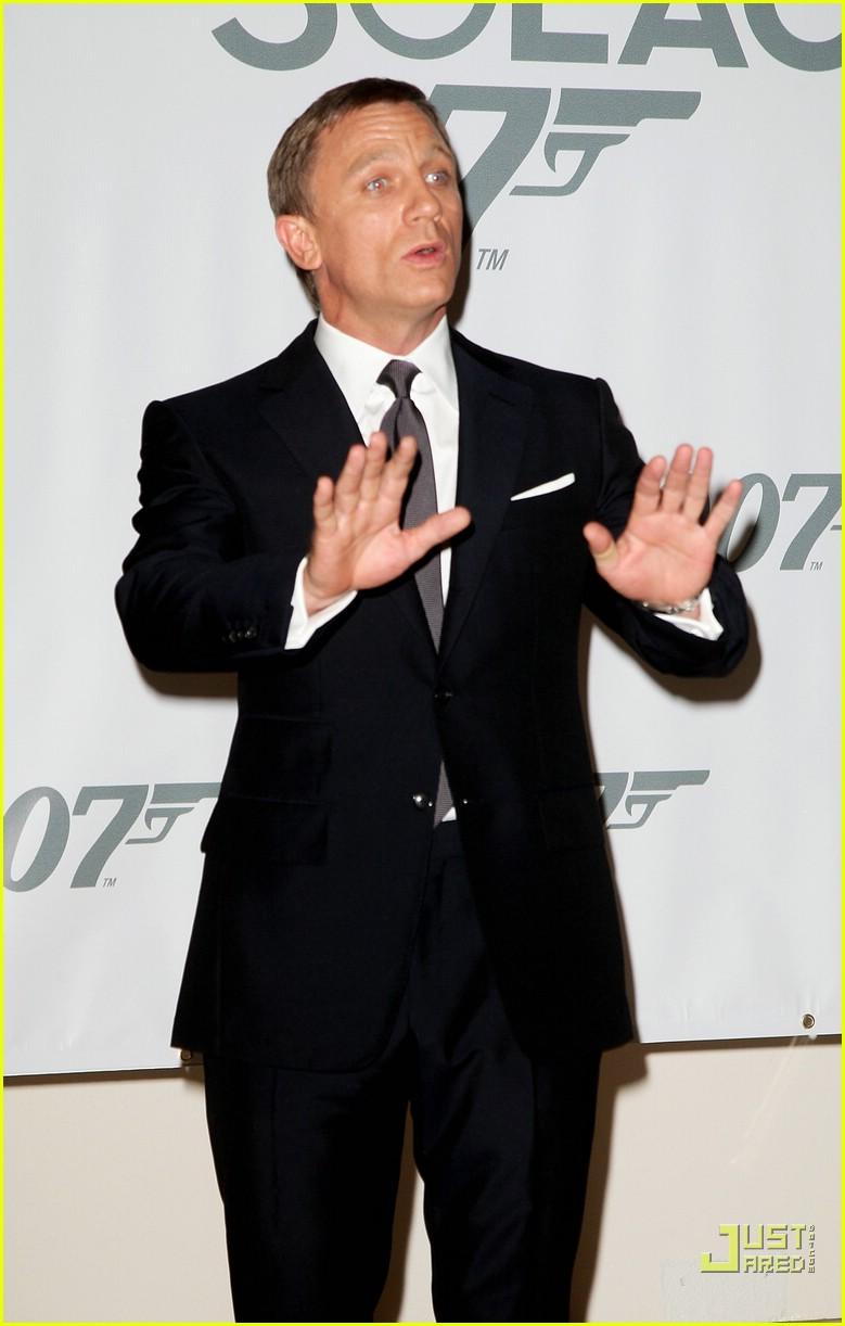 Daniel Craig Seeks His 'Quantum of Solace' Daniel Craig