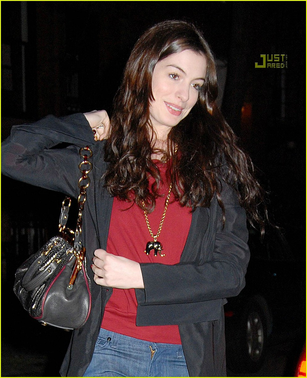 anne hathaway scents 02838411