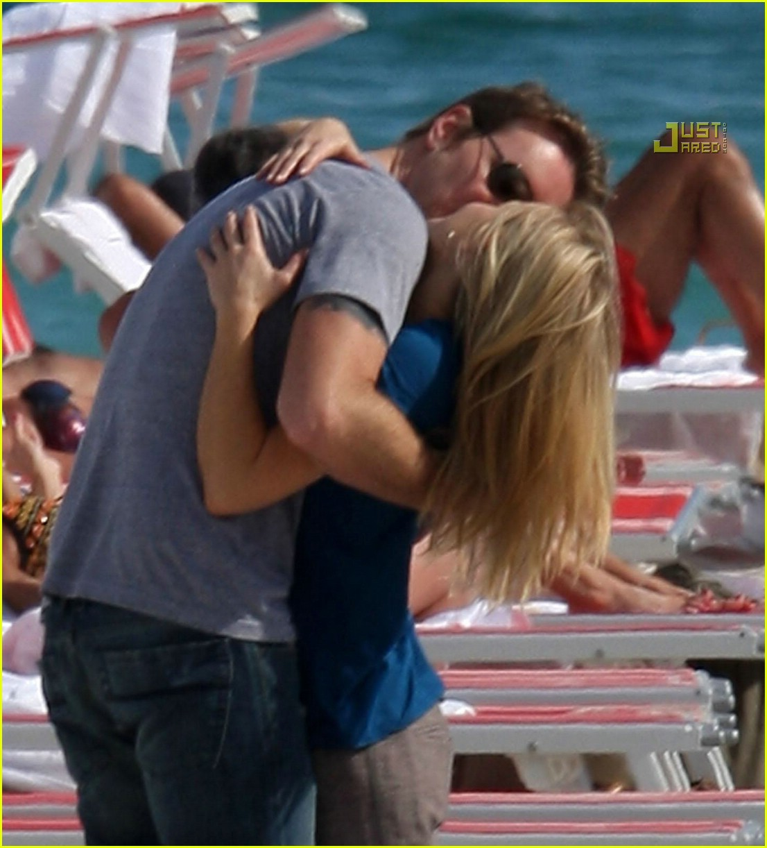 kristen bell wedding ring: Dax & Kristen's New Year's Kiss: Photo 827991