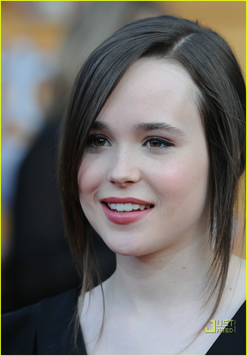 Ellen Page 2008 Sag Awards Photo 889061 Ellen Page