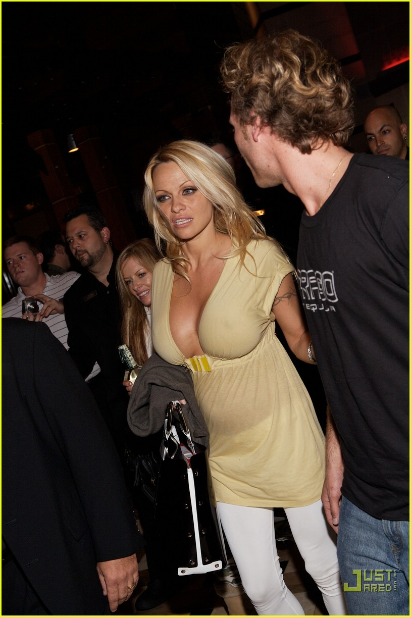 pamela anderson friday night fun 04872101