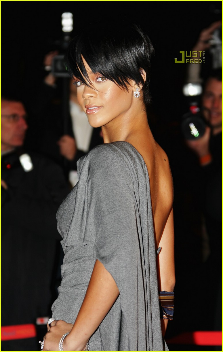 rihanna super short hair 12884361