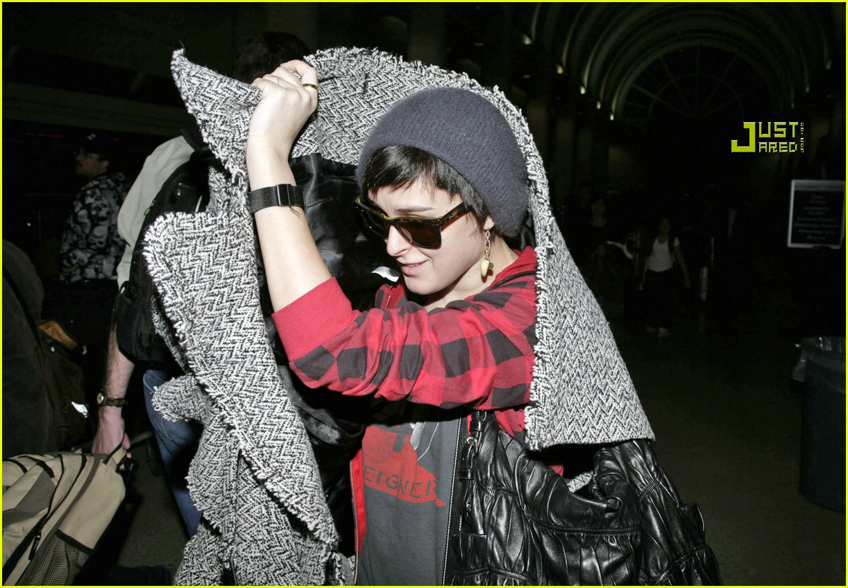 rumer willis airport 03