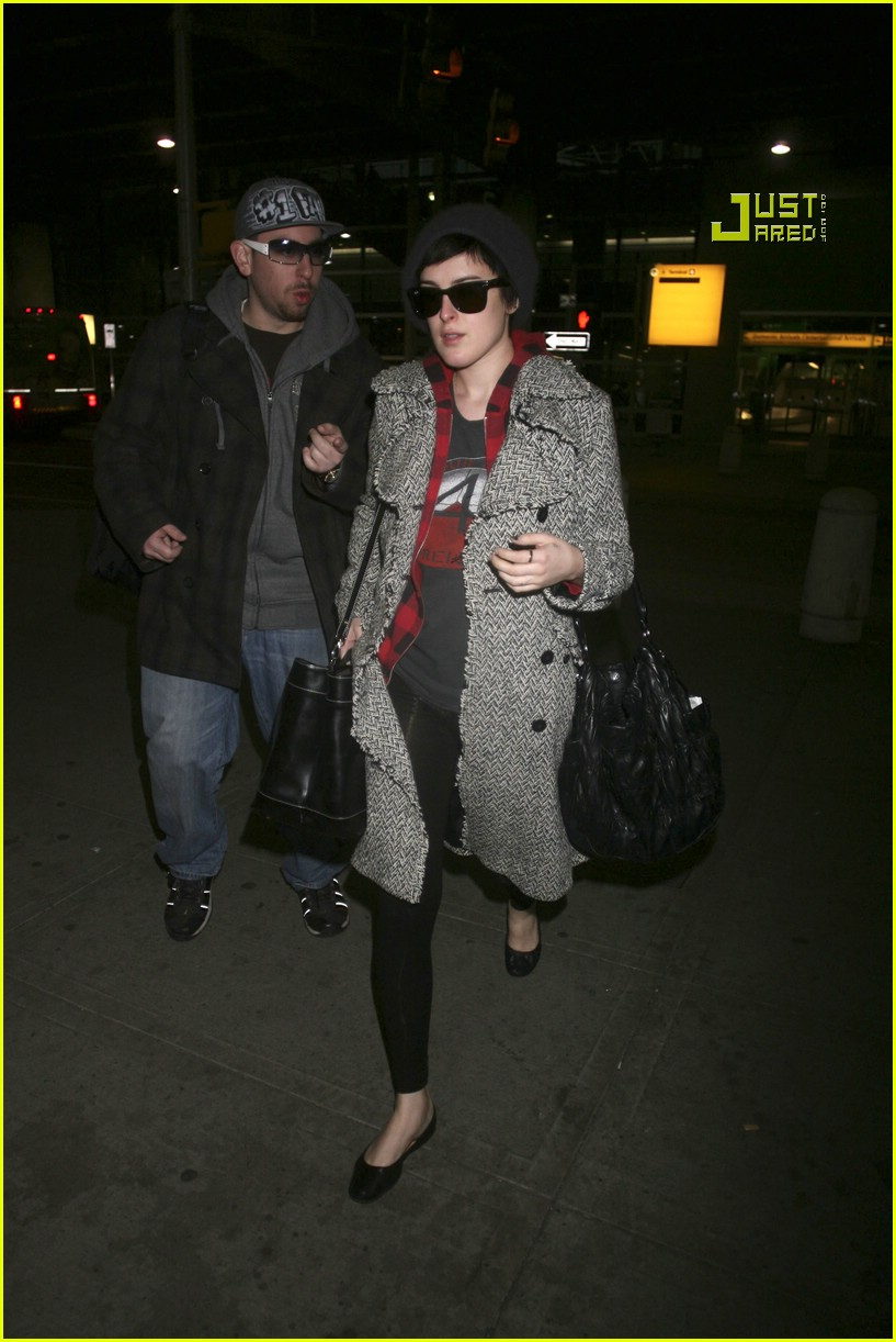 rumer willis airport 06