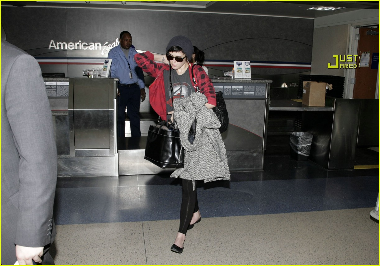 rumer willis airport 15