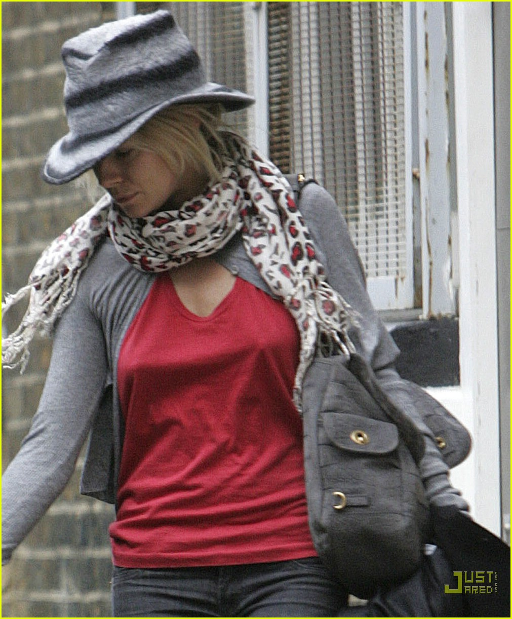 sienna miller professional dog walker 06
