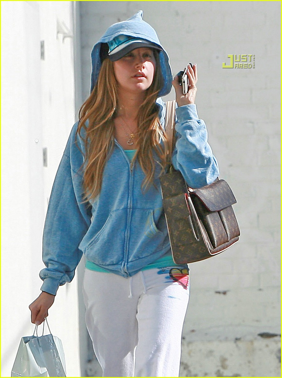 ashley tisdale they came from upstairs 09845961