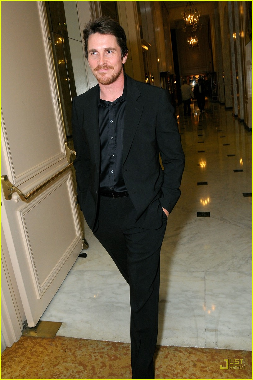 christian bale costume designer guild awards 01