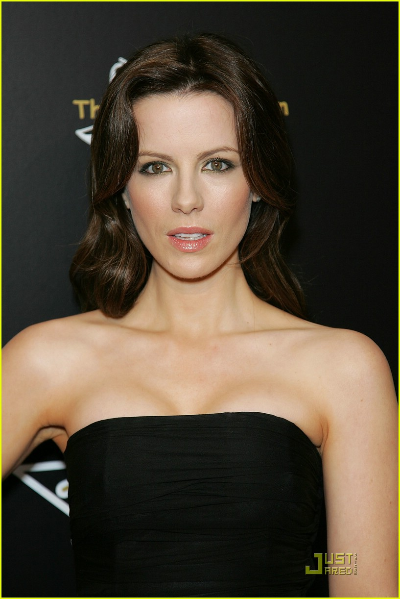 kate beckinsale pre oscars party 06948751