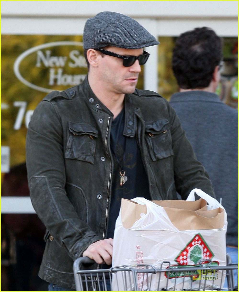 david boreanaz grocery shopping 02