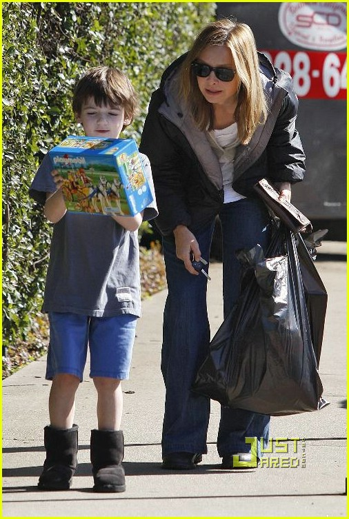 calista flockhart toy store 35902391